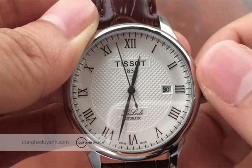 Cơ chế lên dây cót tự động trên đồng hồ đeo tay hoạt động như thế nào?
