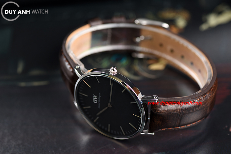 Đồng hồ Daniel Wellington Classic Black York DW00100146