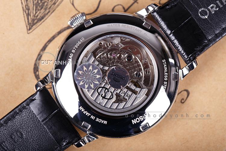 Đồng hồ Orient RE-AM0001S00B