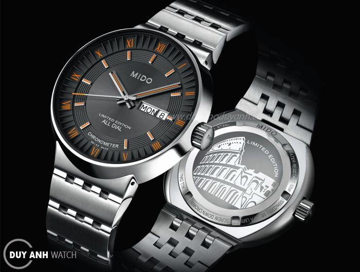 Đồng hồ Thụy Sỹ trước áp lực của đàn em thông minh